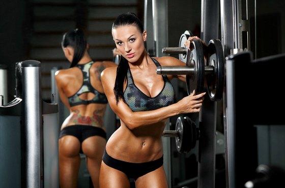 тренированное женское тело